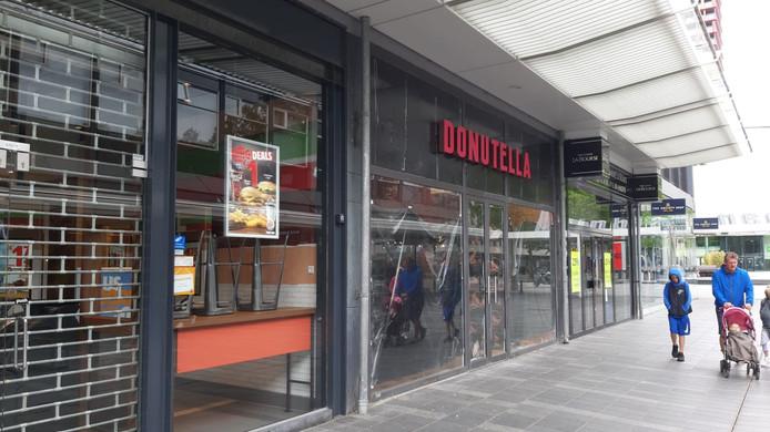 Het nieuw te openen Donutella aan de Korte Lijnbaan in Rotterdam
