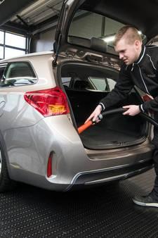 Stormloop bij carwash: auto ook vanbinnen schoon