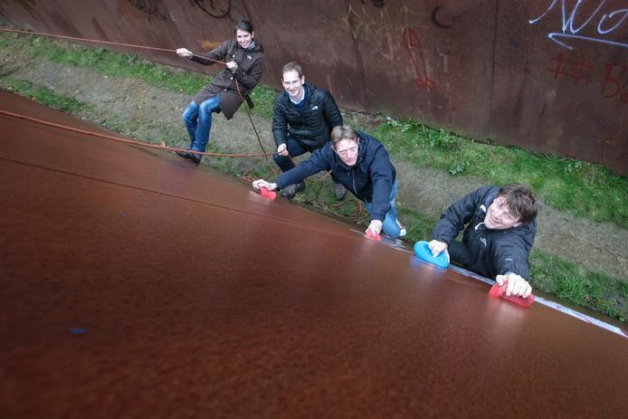 Anja Beyer, Tobias Renner, Maarten Gijselman en Walrik Holtermans klimmen.