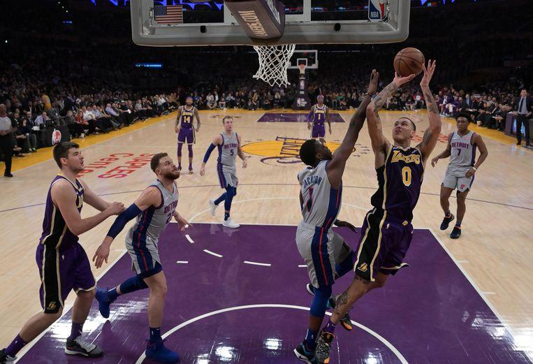 Kyle Kuzma nam de Lakers op sleeptouw tegen Detroit.