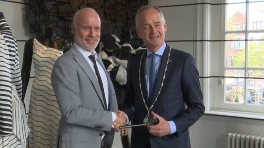 Archiefbeeld: Mart Visser (links) tijdelijk burgemeester van Zandvoort
