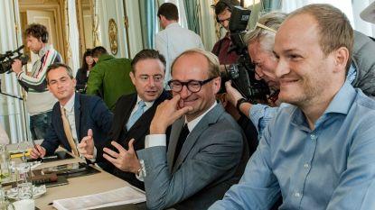 Zitten alle ministers al rond de tafel?