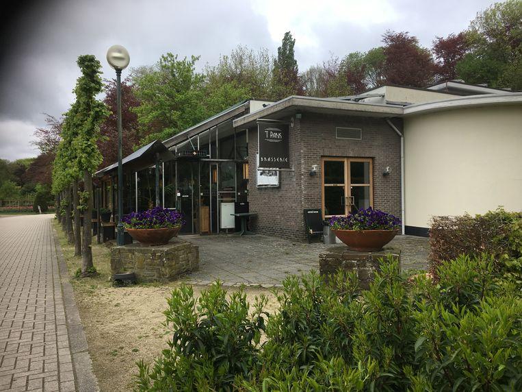 Brasserie 't Park in het Vrijbroekpark. De brasserie ging zondagochtend gewoon weer open.