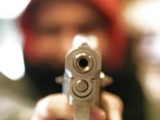 Belwinkel in Vlaardingen met vuurwapen overvallen