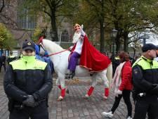 Sint beklimt Grote Kerk op dag van de intocht: kinderen kunnen vanuit de hele stad zwaaien