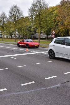 Gewonde bij botsing op kruispunt in Tilburg