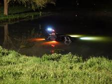 Bestuurder belandt met auto in parkvijver aan Staddijk Nijmegen