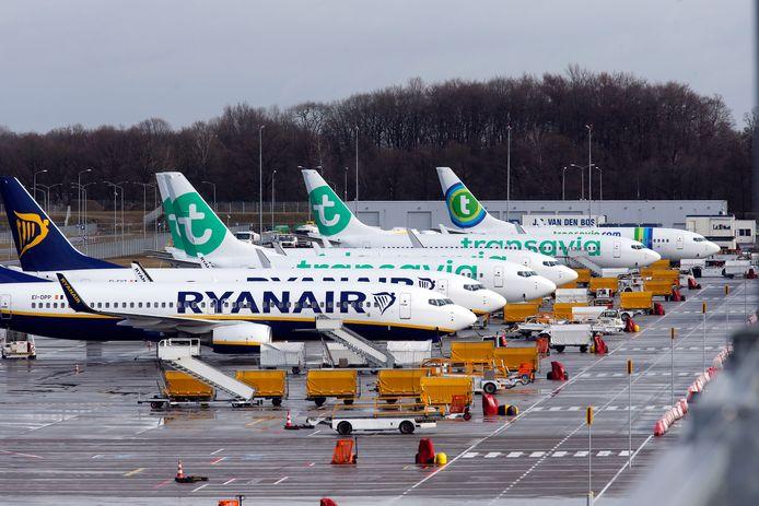 Toestellen van Ryanair op Eindhoven Airport (archieffoto).