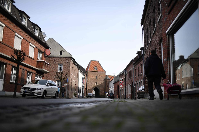 Lege straten in het Duitse dorpje Gangelt.  Beeld AFP