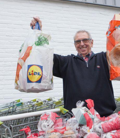 De Voedselbank Hardenberg-Ommen bulkt van de kerstpakketten: 'In het Oosten zijn ze zo ontzettend vrijgevig'
