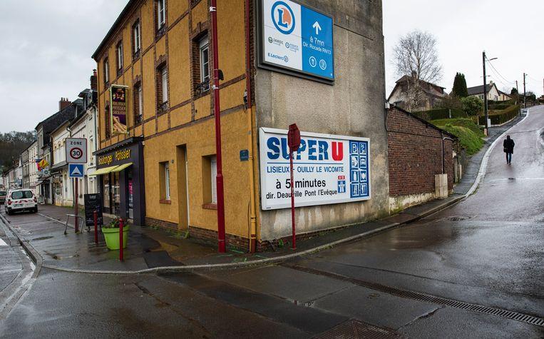 Saint-Martin-de-la-Lieue, een dorp met achthonderd inwoners. Voor de grote supermarkten moeten die het dorp uit. Beeld Bart Koetsier