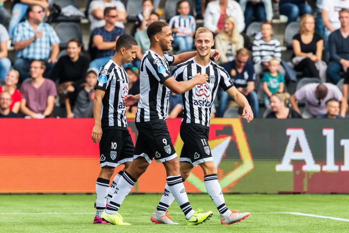 De doelpuntenmakers van Heracles: Mauro, Dessers en Van der Water.