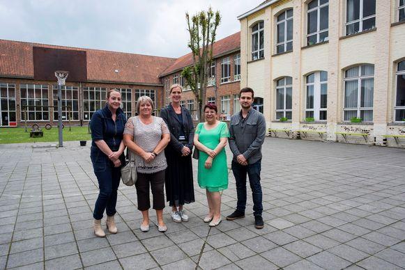Basisschool De Ster en de Secundaire Freinetschool in Poperinge trekken weg van de Vroonhofsite en nemen in januari 2021 hun intrek in een nieuwbouwproject in het Rekhof.