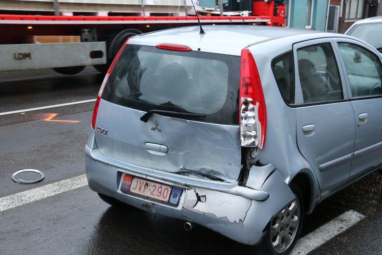 De wagen van het koppel liep aanzienlijke schade op.