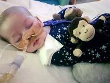 Rechter beslist morgen of baby Charlie thuis mag sterven