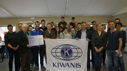 Kiwanis overhandigt cheque aan Greenstars