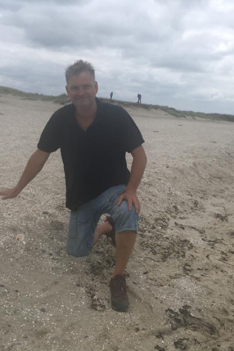 Simpele rand van zand doet wonderen op strand van Ouwerkerk