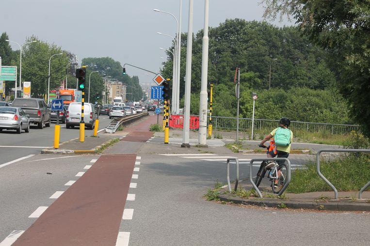 Een jonge fietser krijgt opschorting van straf nadat hij zonder fietsverlichting rondreed op de Ninoofsesteenweg.