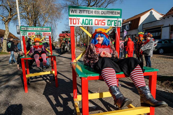 De carnavalsoptocht van Wouwse Plantage is steevast de allereerste optocht die door Noord-Brabant trekt.