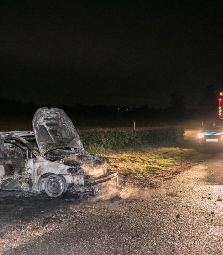 Gestolen auto door brand verwoest in Elst