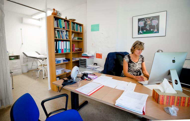 Huisarts Annelies Leloup van huisartsenpraktijk Sarphatipark. Beeld anp