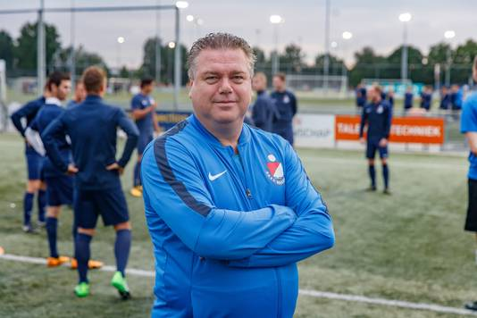 Roosendaal-trainer Peter Sweres