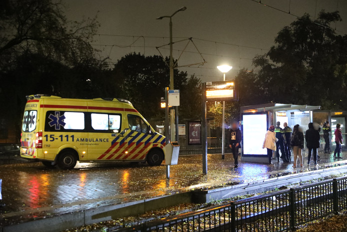 Steekincident nabij tramhalte Wouwermanstraat