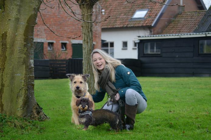 Sanne Xhaflaire heeft haar eigen hondenuitlaatservice.