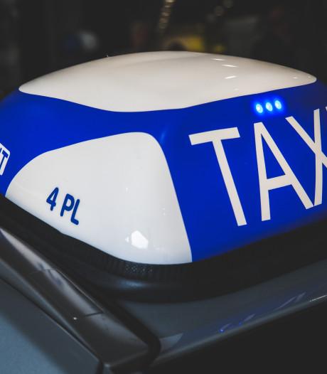 Dief van computerschermen gevat dankzij taxichauffeur