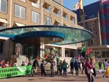 Demonstranten Shell-kantoor mogen naar huis