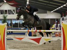 Piet Raijmakers junior waagt èn wint bij Jumping Indoor Nieuwland