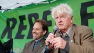 Vader Boris Johnson sluit zich aan bij klimaatbetogers in Londen