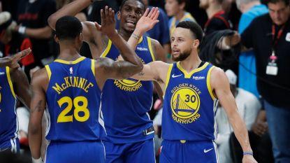 VIDEO. Golden State Warriors onder leiding van Curry en sterke Green één zege verwijderd van NBA-finale