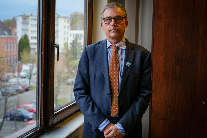 """Ziekenhuisdirecteur Peter Fontaine is bezorgd:  """"We botsen op onze limieten."""""""