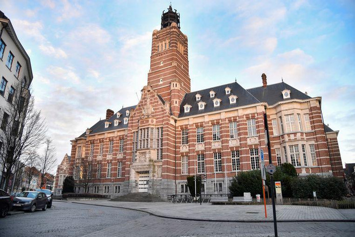 Le palais de justice de Termonde.