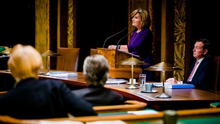 Pia Dijkstra (D66) en Minister Bruno Bruins voor Medische Zorg (VVD) tijdens het debat in de Eerste Kamer over de donorwet. Beeld anp