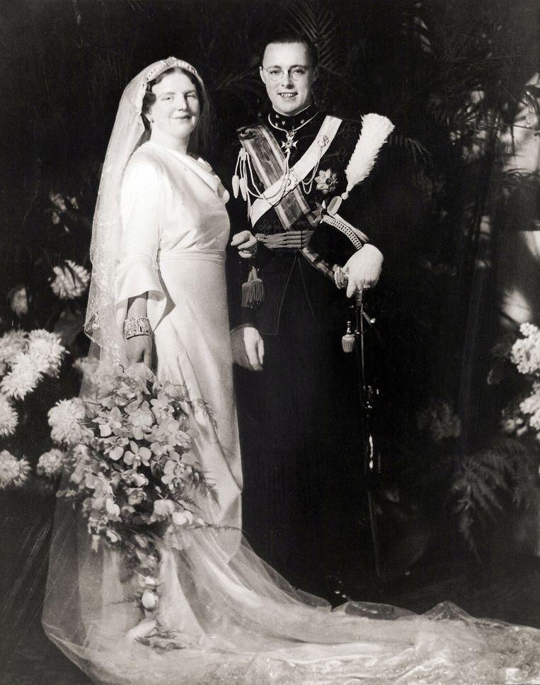 Prinses Juliana en prins Bernhard op hun huwelijksdag 7 januari 1937. Beeld ANP