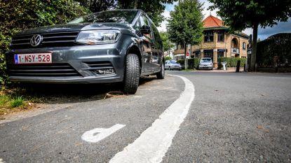 Parkeerdruk hoog in Dumontwijk