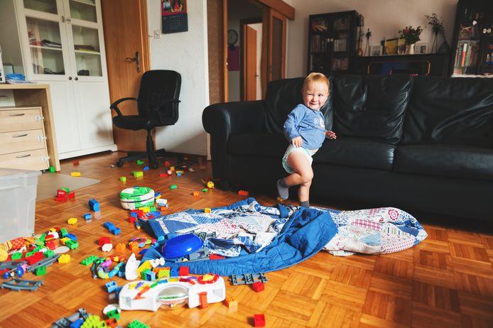 Chronisch kinderspeelgoed in de huiskamer, beter niet, zegt opruimcoach Saskia.