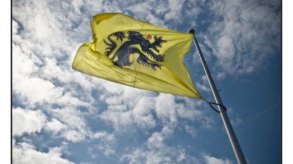 """Bonte countert kritiek op ontbrekende leeuwenvlaggen op officiële gebouwen: """"N-VA zou beter naar zichzelf kijken op deze Vlaamse feestdag"""""""