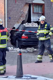Auto rijdt huis binnen: 'geliefde inwoner' Harrie (75) overleden in ziekenhuis Tilburg