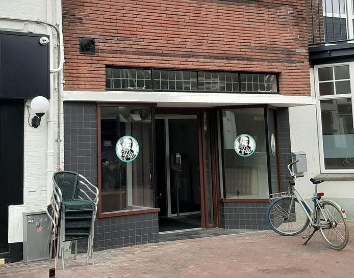Nieuw in Hengelo: eetcafé Van Flip. Voorlopig alleen nog maar afhaal en bezorging van maaltijden mogelijk.