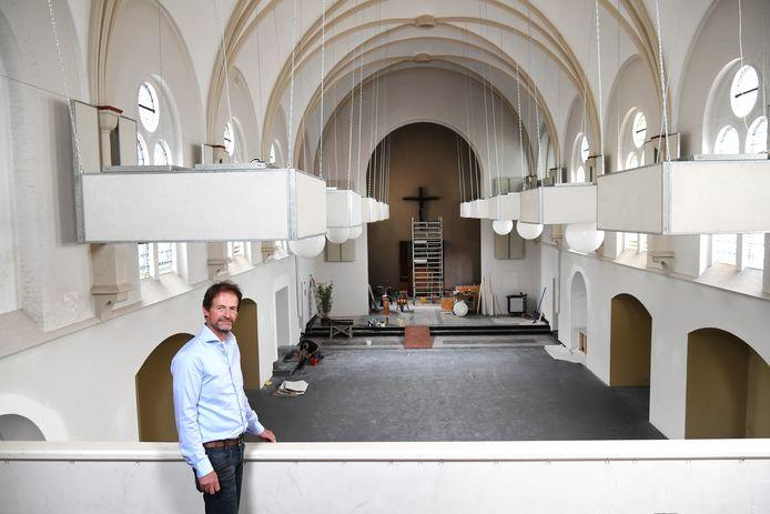 De kerk van Biezenmortel, juli 2019 aan de eredienst onttrokken, maakt voortaan deel uit van de luxe groepsaccommodatie Beukenhof, waarvan Bart van Knegsel eigenaar is.