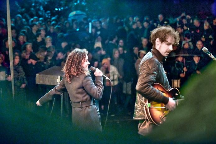 Mezzosopraan Nora Fischer en gitarist Marnix Dorrestein openen de Nijmeegse Kunstnacht.