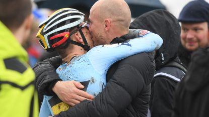 """Sven Nys kan tranen niet bedwingen wanneer Thibau over finish bolt: """"Dit met je zoon meemaken is fantastisch"""""""