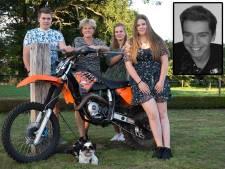Boet (18) groeide op met de Zwarte Cross, verdiende er zijn eerste zakcentje, maar overleed er ook