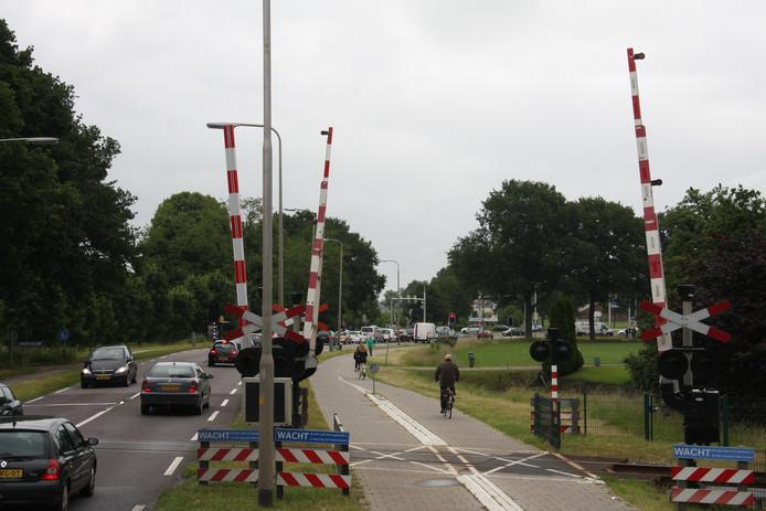 Speciaal voor fietsers wordt er een lus aangelegd onder het spoor door bij kruispunt Bos in Raalte.