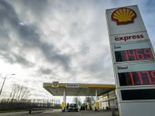 De benzine is goedkoper, maar aan de pomp blijft het stil
