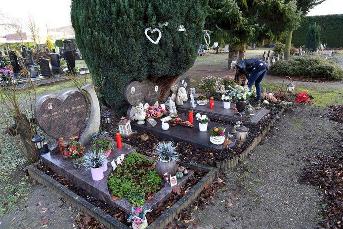 Een groot deel van de familie Besselsen ligt naast elkaar begraven op de Tilburgse begraafplaats Loven.