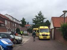 Man gewond naar ziekenhuis na val van dak in Veldhoven